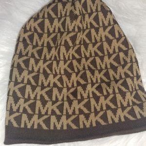 MK hat